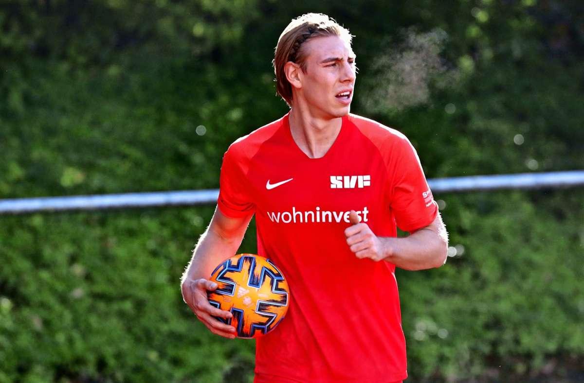 Nikola Jelic auf dem Weg zur Eckfahne, von wo aus am Samstag nicht nur ein Treffer für den SV Fellbach resultiert. Foto: Patricia Sigerist