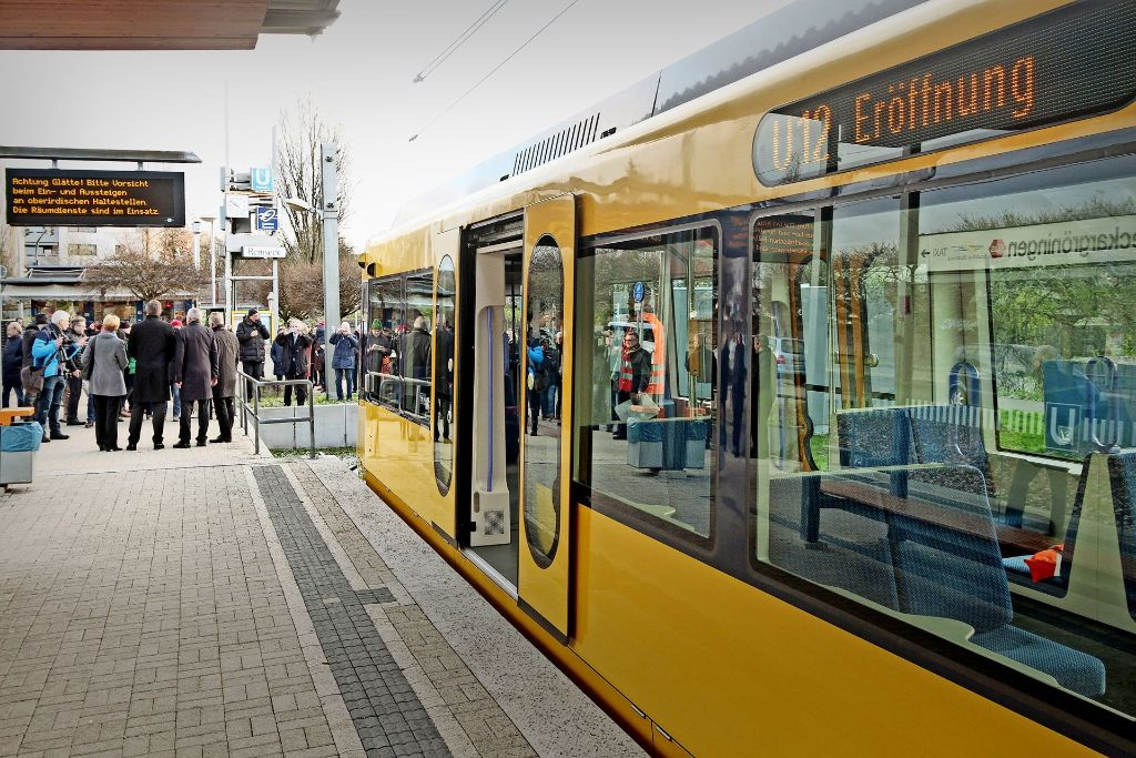 Die erste Bahn der Linie U12  vor ihrem Start in Remseck. Foto: factum/Bach