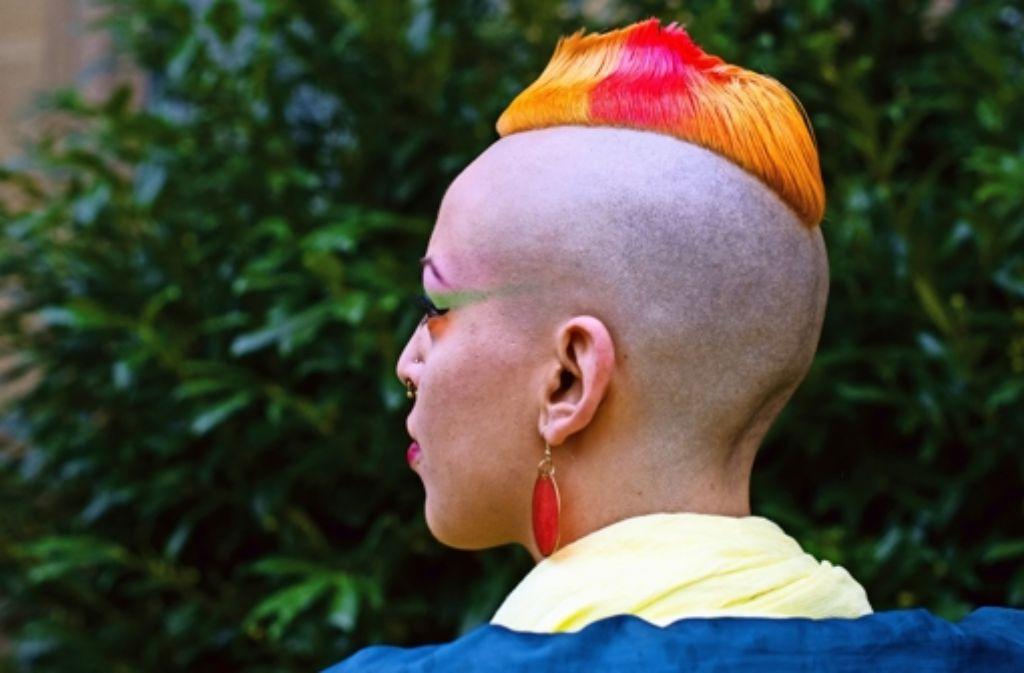 Frisuren können für eine politische Gesinnung oder eine Veränderung im Leben stehen, müssen es aber nicht. Ein Hingucker ist dieser Haarschmuck auf jeden Fall. Foto: privat