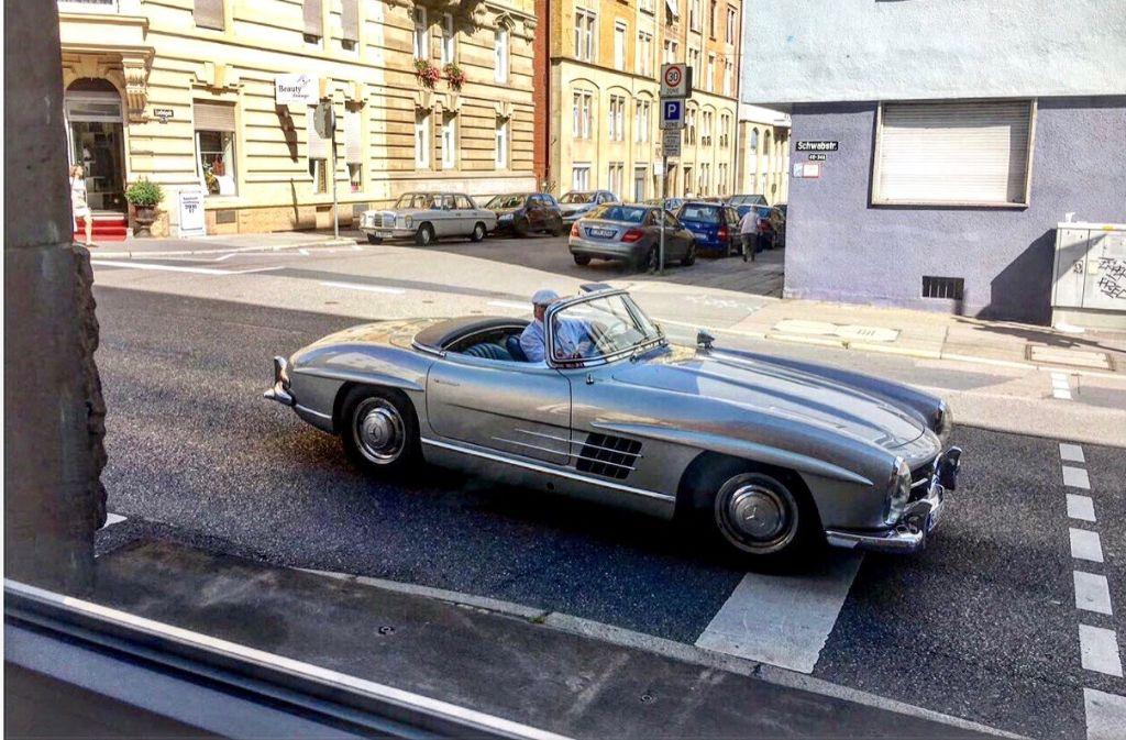 Schnappschuss aus dem Fenster: Ein Oldtimer auf der Schwabstraße. Mehr coole Karren folgen jetzt... Foto: Tanja Simoncev