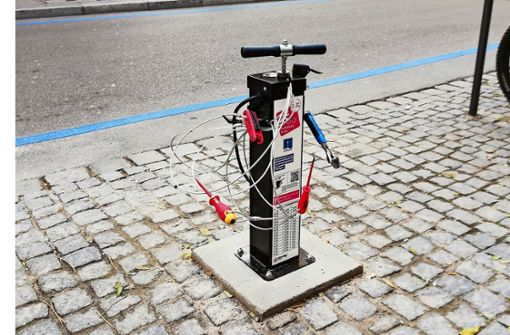 Servicestation für Radfahrer an der Eberhardstraße