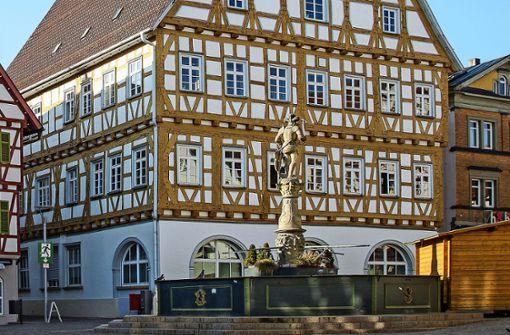 Stadtwerke und i-Punkt in die Altstadt?