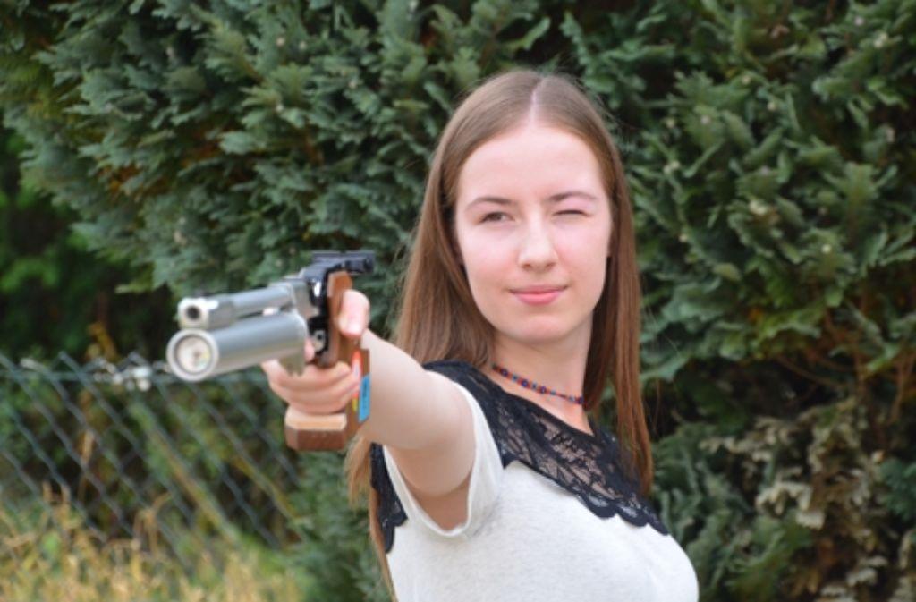 Konzentriert nimmt Ina-Sofie Kunzelmann ihr nächstes Ziel ins Visier: die deutschen Meisterschaften im September. Foto: Sandra Hintermayr