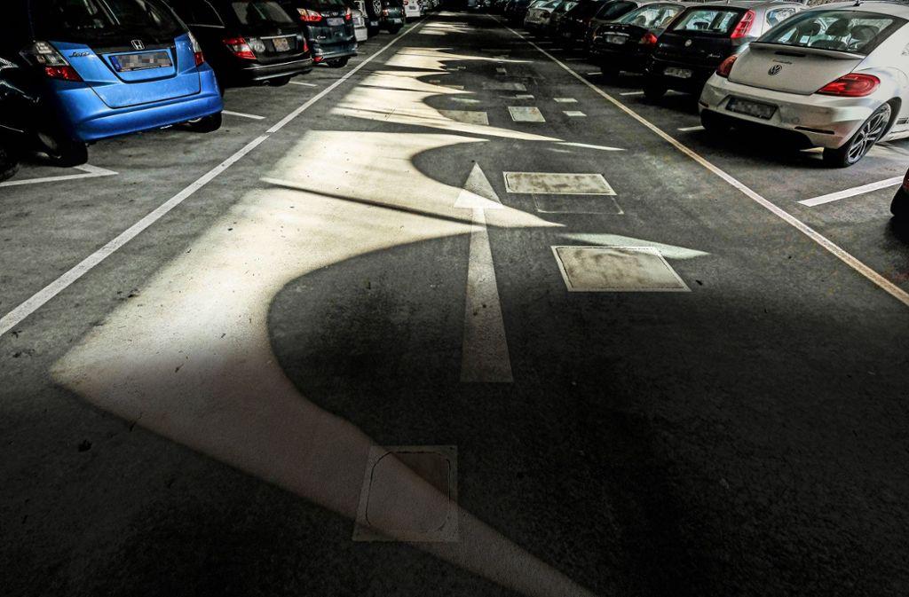 In welchem Parkhaus der Esslinger sein Auto abgestellt hatte, wusste er später nicht mehr. Es folgte eine sechswöchige Suche (Symbolbild). Foto: Lichtgut/Leif Piechowski