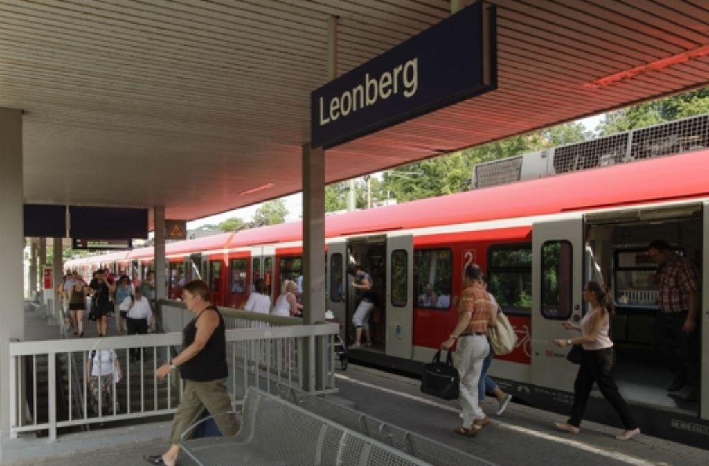 Für S-Bahn-Fahrgäste gibt es ab dem Fahrplanwechsel am 13. Dezember ein verbessertes Angebot. Foto: factum/Bach