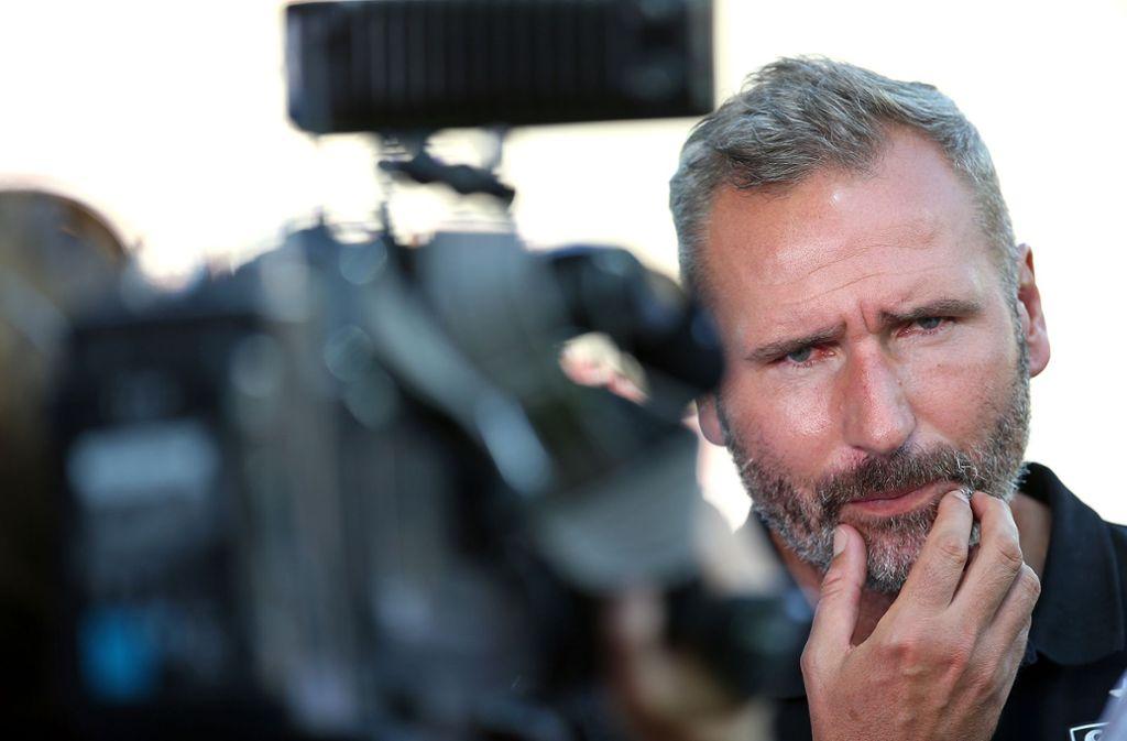 Vor der TV-Kamera hat Tim Walter in Aue ordentlich Dampf abgelassen. Foto: Baumann