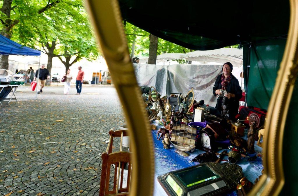 Zum Flohmarkt laden die Netzwerkerinnen Bad Cannstatt am 10. September ein – allerdings erst dann, wenn es schon dunkel wird. Foto: Lichtgut/Volker Hoschek
