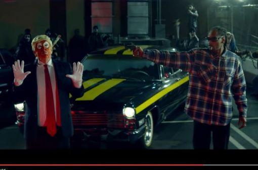 Snoop Dogg erschießt Clown-Version von Donald Trump
