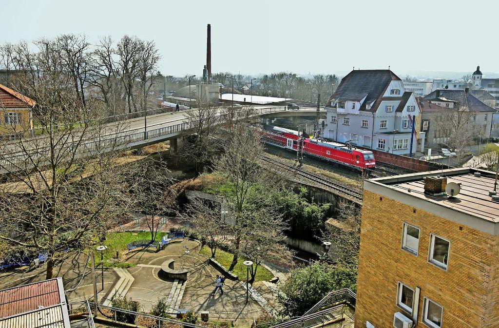 Die Bahn-und Filsüberführung könnte bald Geschichte sein. Foto: Rudel/Archiv