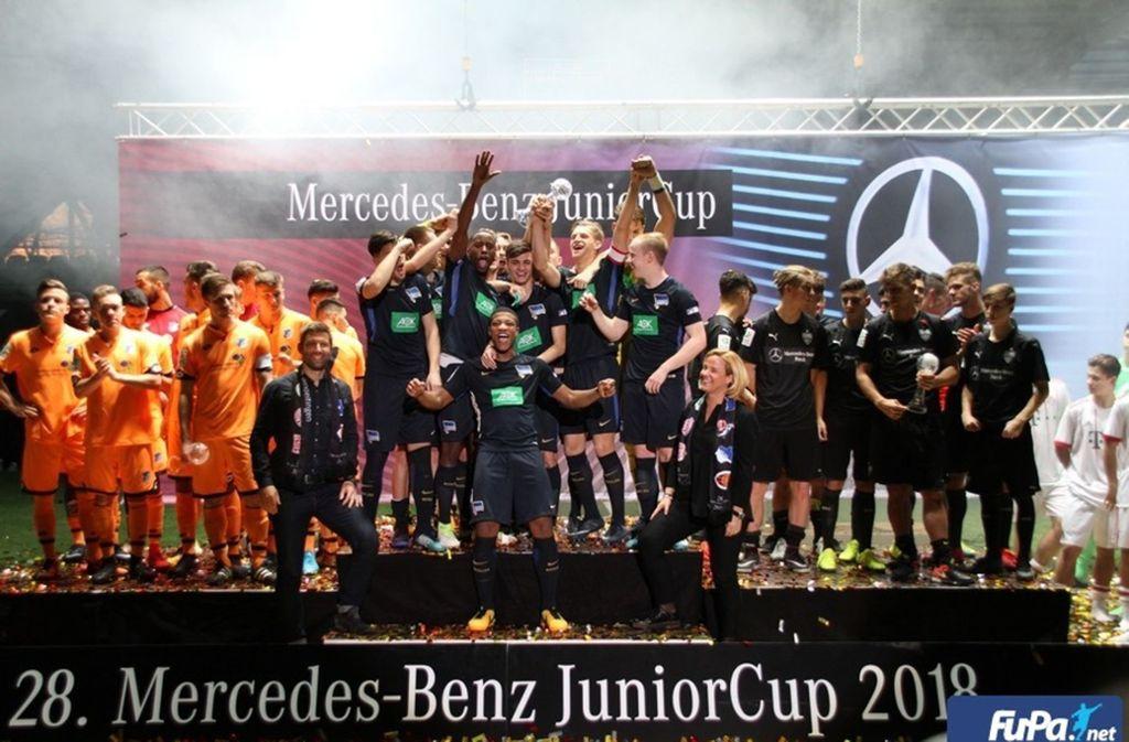 Hertha BSC triumphierte bei der letzten Auflage des Junior-Cups. Der VfB sicherte sich Rang drei. Foto: Lommel