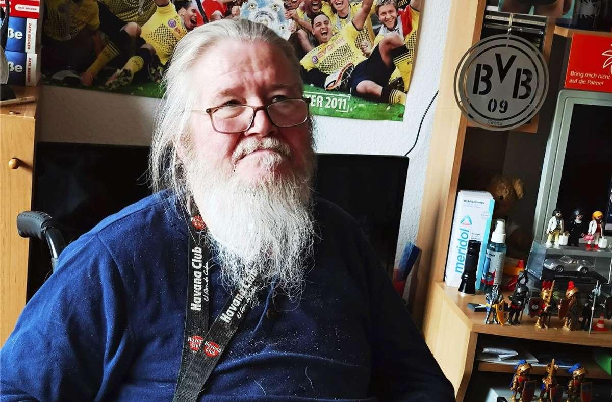Heinz Sulewski ist an MS erkrankt und lebt im Generationenhaus. Foto: Kathrin Wesely