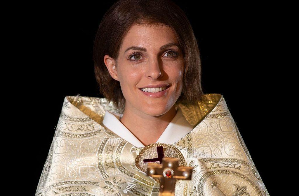 Ab 10. August ist Sandy Mölling als Päpstin im Theaterhaus zu sehen. Foto: Michael Böhmländer