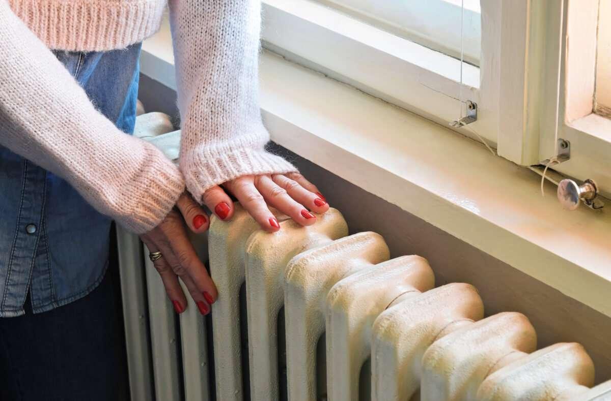 So sparen Sie beim Heizen Energie und Geld. Das sind die Top 12 effizientesten Tipps, um richtig zu heizen. Foto: Zvone / Shutterstock.com