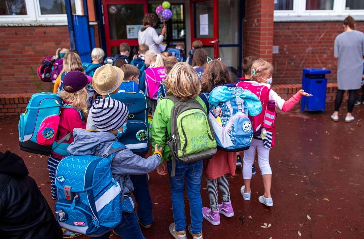 Nach Aussagen des Experten seien die Folgen der Pandemie für Kinder belastend. Foto: dpa/Jens Büttner