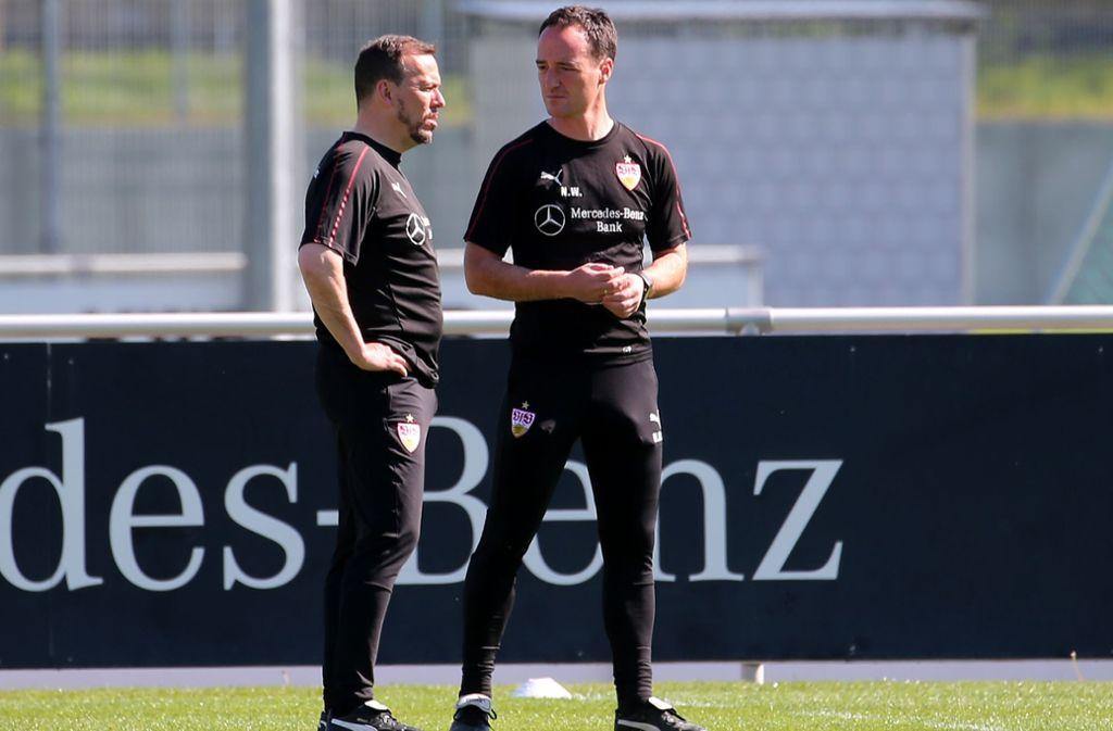 Der neue VfB-Cheftrainer Nico Willig (re.) mit seinem Assistenten Paco Vaz Foto: Baumann