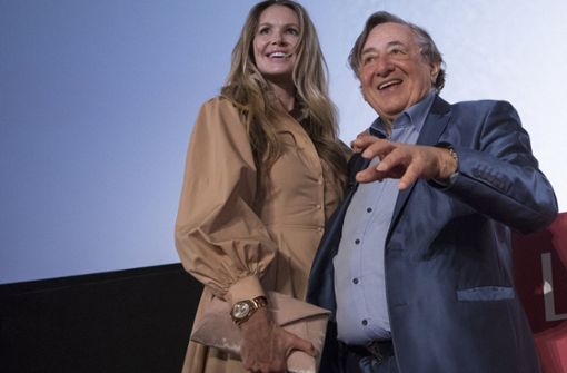 Richard Lugner gerät bei Star-Gast Elle Macpherson ins Schwärmen