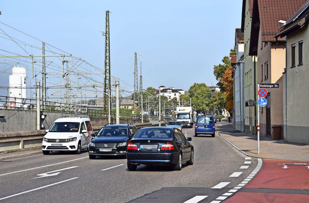 In offener Bauweise soll in den nächsten Jahren in der Augsburger Straße ein neuer Mischwasserkanal gebaut werden. Foto: Mathias Kuhn