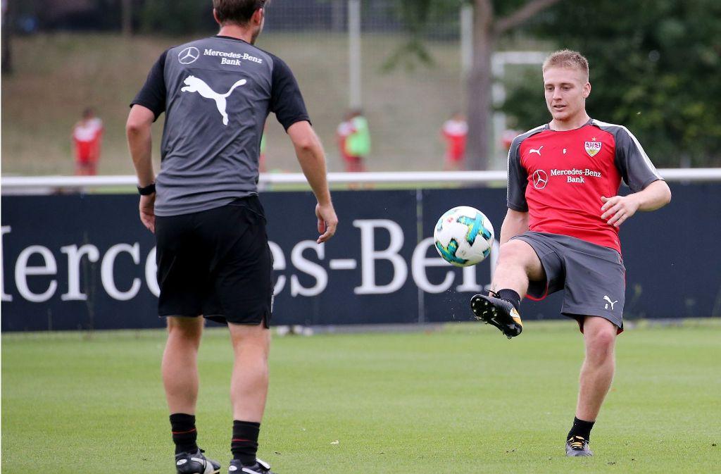 Neuzugang Santiago Ascacibar bei seinem ersten öffentlichen Training mit dem VfB. Foto: Pressefoto Baumann