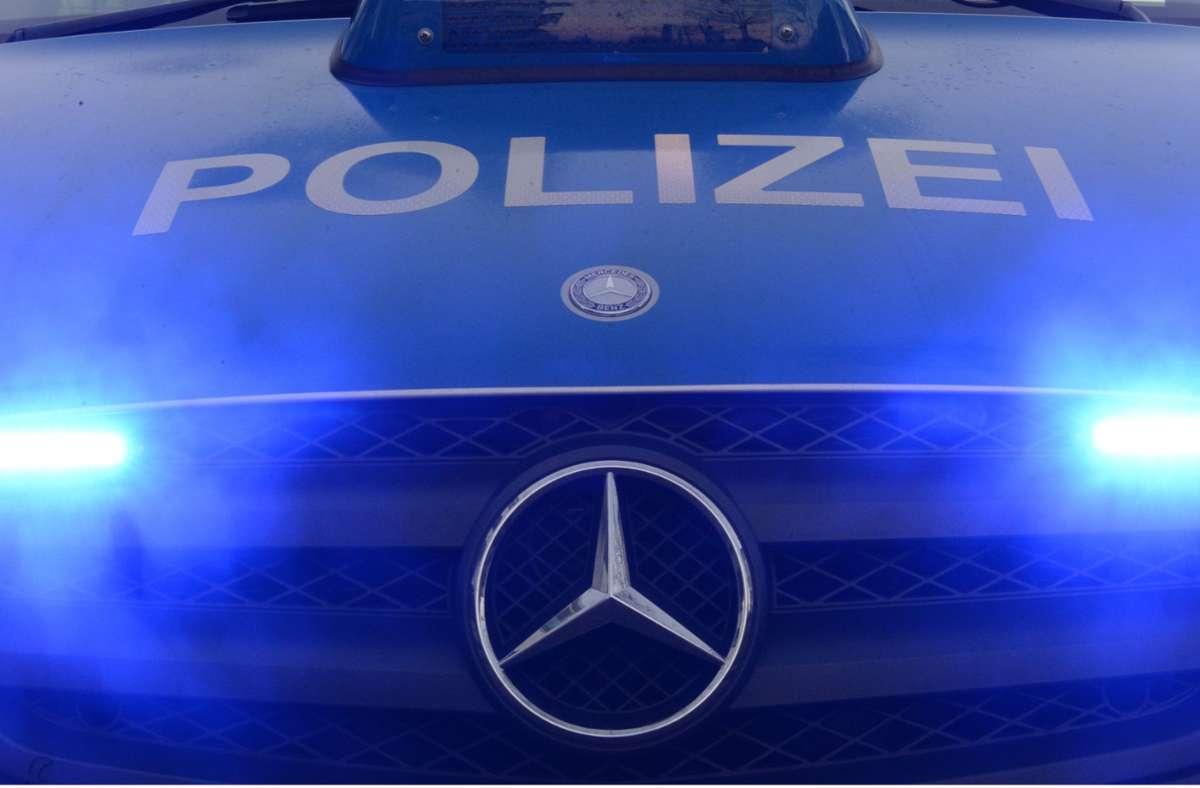 Die Polizei sucht Zeugen zu dem Vorfall. (Symbolbild) Foto: picture alliance / dpa/Patrick Seeger