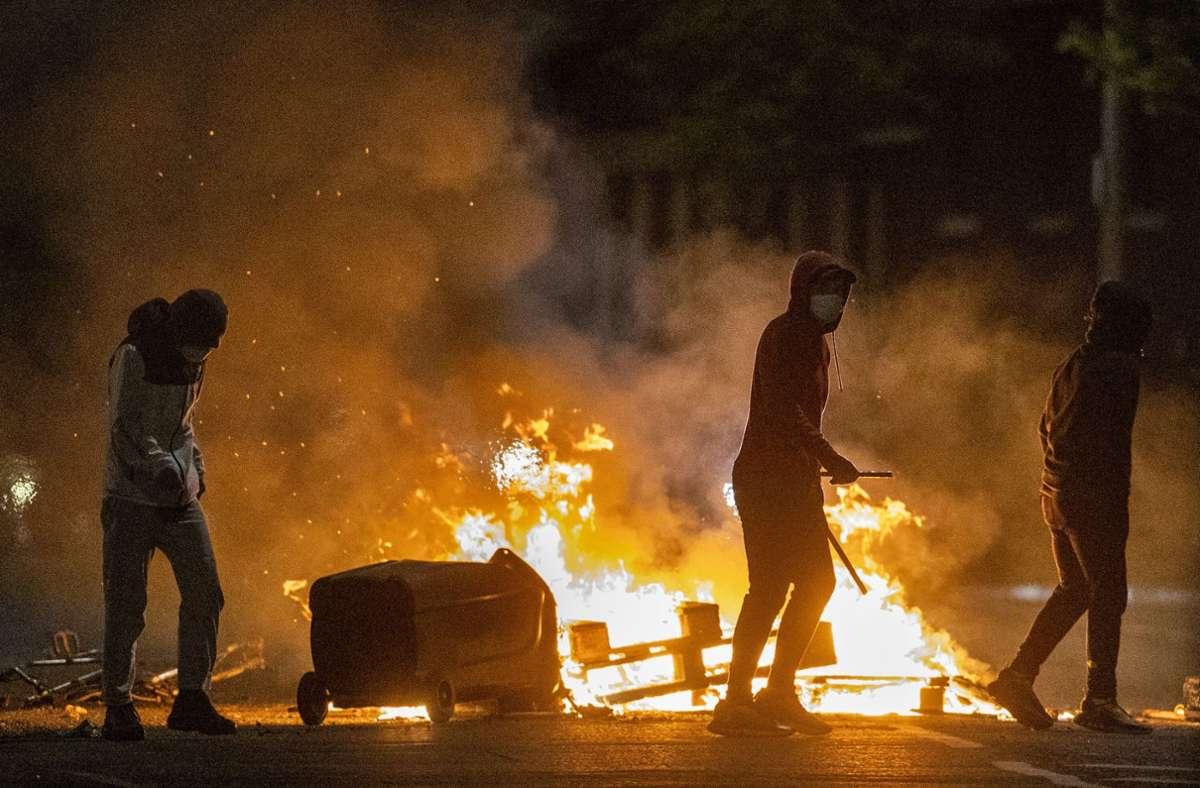 Schwere Unruhen in Nordirland Foto: dpa/Liam Mcburney