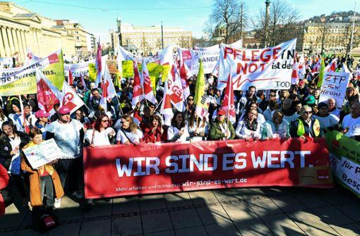 Gewerkschaften fordern Übertragung des Tarifergebnisses auf Beamte