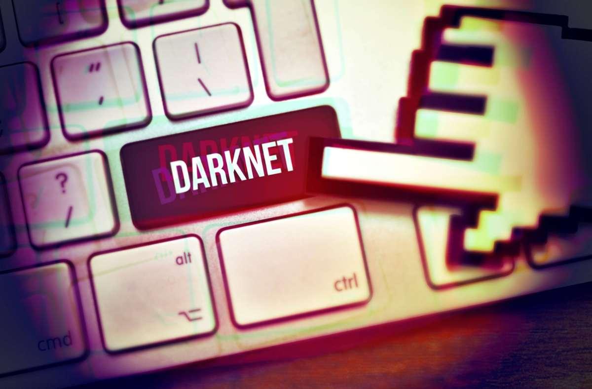 Die Betreiber der Darknet-Plattform werden angeklagt. Foto: imago images/Christian Ohde