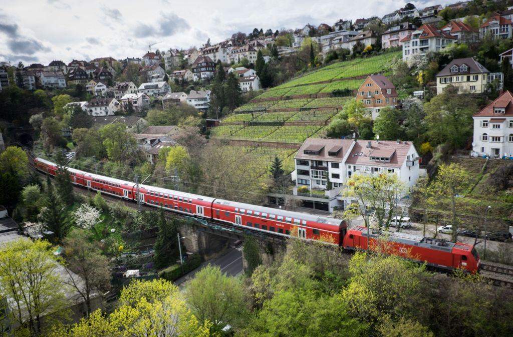 Die Gäubahnstrecke in Stuttgart ist wirklich eine Panoramastrecke – und für sie überlegt man sich neue Nutzungen für die Zeit nach dem Bau von Stuttgart21. Foto: Lichtgut/Achim Zweygarth