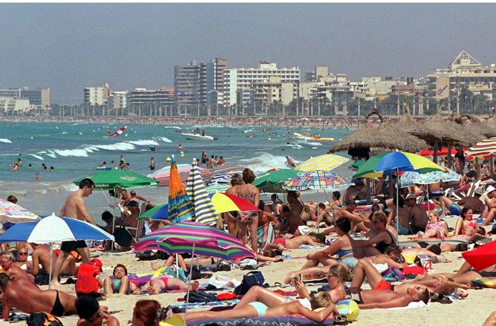 An der Playa de Palma soll ein Deutscher eine 14-Jährige vergewaltigt haben. (Symbolbild) Foto: dpa/Uli_Deck