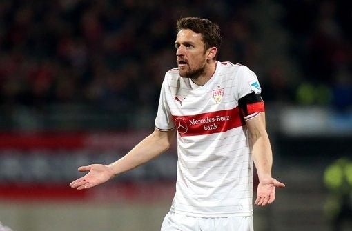 Nicht nur der Stuttgarter Kapitän Christian Gentner ist ratlos. Foto: Pressefoto Baumann