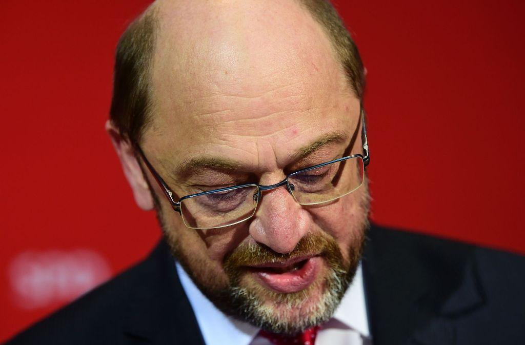 Zwar hat die bundesweite Begeisterung um SPD-Kanzlerkandidat Martin Schulz den Genossen an der Saar ein paar Prozentpunkte extra verschafft: Am Ende reichte es aber nicht für eine rot-rote Mehrheit, die in Umfragen vor der Wahl möglich schien. Foto: AFP