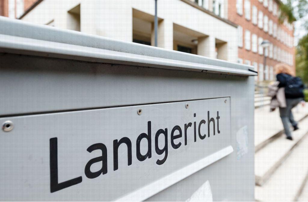 Eine Frau ist in Kiel zu einer Freiheitsstrafe verurteilt worden. (Symbolbild) Foto: dpa