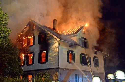 Ein Jahr nach dem Brand   beginnt der Wiederaufbau