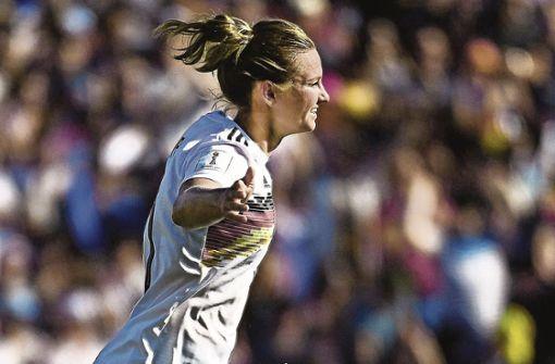 Verrückte Idee –  gemeinsame Fußball-EM für Frauen und Männer