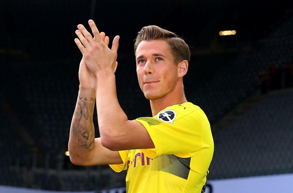Vermutlich bald ein Stuttgarter: Erik Durm steht vor einem Wechsel von Borussia Dortmund zum VfB. Foto: Getty