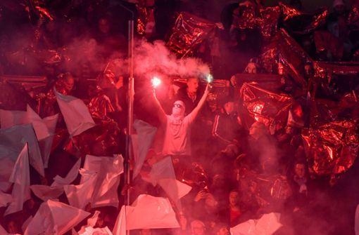 Ermittlungen wegen versuchten Totschlags nach Köln-Spiel