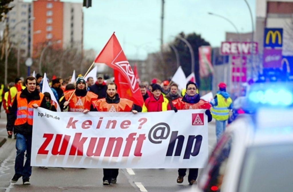 Die Mitarbeiter protestierten für den Erhalt von Rüsselsheim. Foto: IG Metall