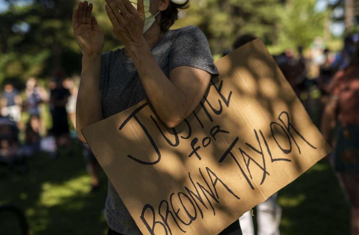 Die Schüsse waren bei einer Mahnwache für Breonna Taylor gefallen. (Symbolfoto) Foto: AFP/Stephen Maturen