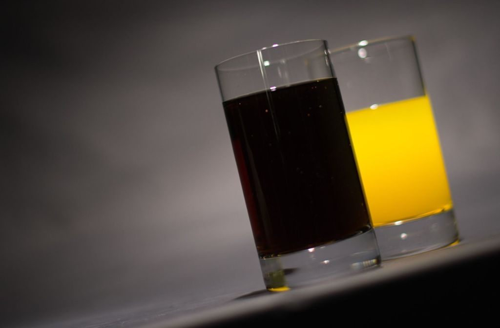 Zuckerreduzierte Limonaden enthalten oft kalorienarme Süßstoffe. Foto: dpa/Lukas Schulze