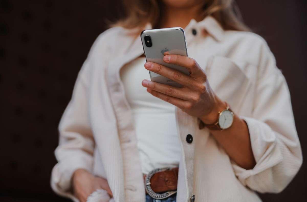 Neben Tinder werden auch andere Dating-Apps immer beliebter. Foto: jenny ueberberg/unsplash