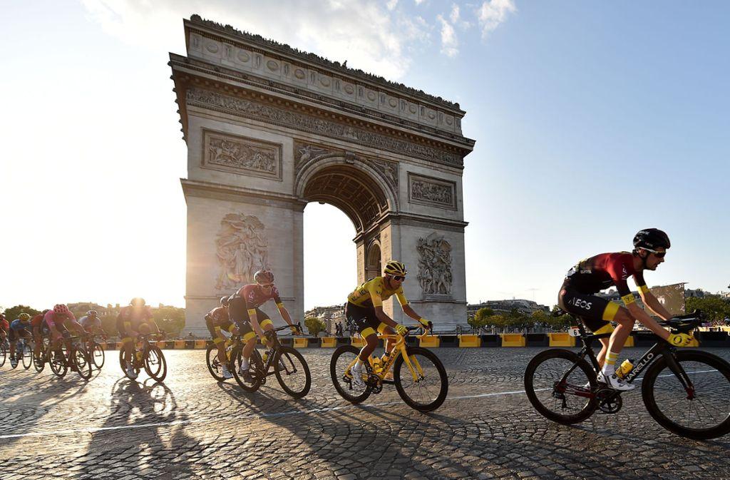 Spät wie nie: Die Tour de France startet am 29. August  und endet am 20. September in Paris. Foto: dpa