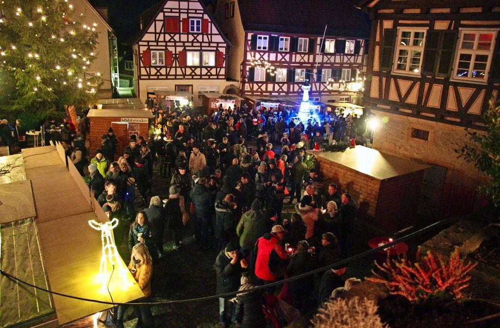 Der Waldenbucher Weihnachtsmarkt war wieder ein echter Besuchermagnet. Foto: Ralf Recklies