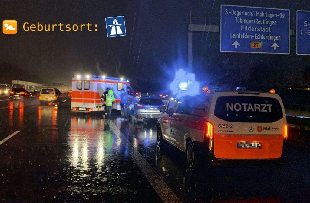 Auf der A8 bei Stuttgart-Möhringen brachte eine Frau am Donnerstag ihr Kind zur Welt. Foto: Polizei/ Ludwigsburg