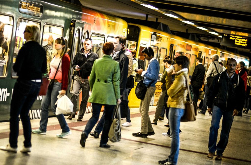 Keine mobilen Daten: In der Innenstadt von Stuttgart klemmt das Mobilfunk-Netz von O2 und E-Plus. Foto: Lichtgut/Leif Piechowski