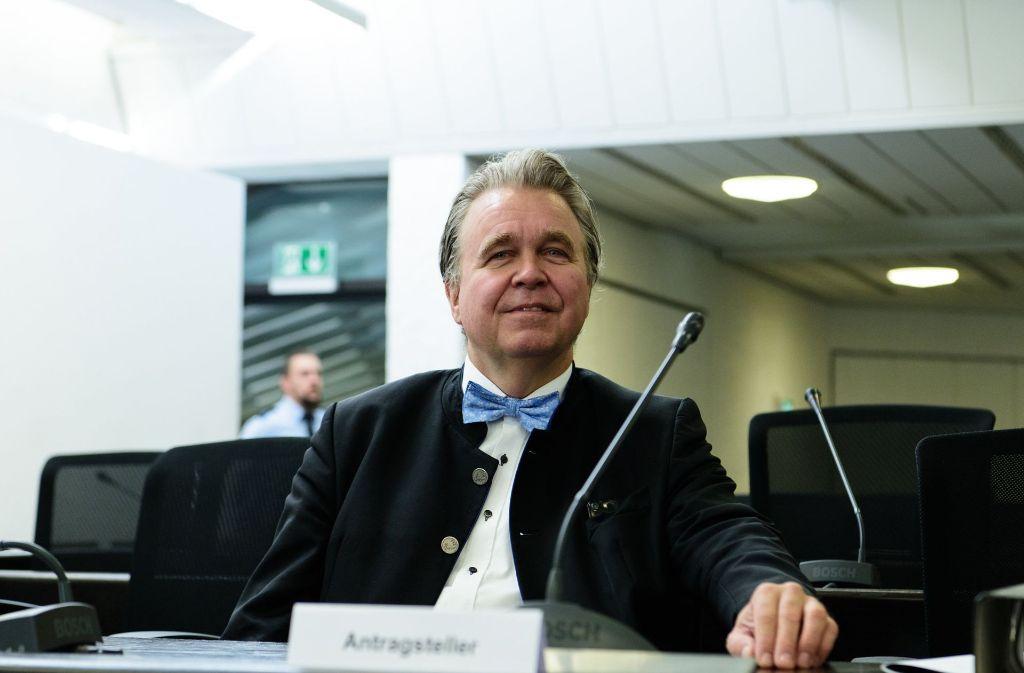 Heinrich Fiechtner vor dem Landesverfassungsgericht. Foto: dpa