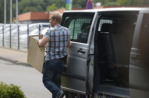 fahnder transportieren in ehingen aus einem anwesen anton. Black Bedroom Furniture Sets. Home Design Ideas