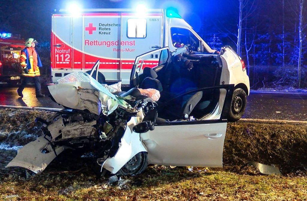 Schwerer Unfall bei Lichtenwald im Kreis Esslingen. Foto: SDMG