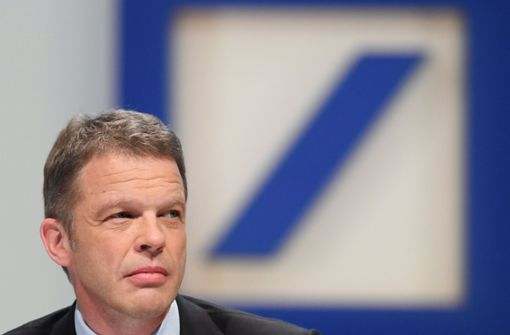 Deutsche-Bank-Chef kann Aktionäre nicht überzeugen