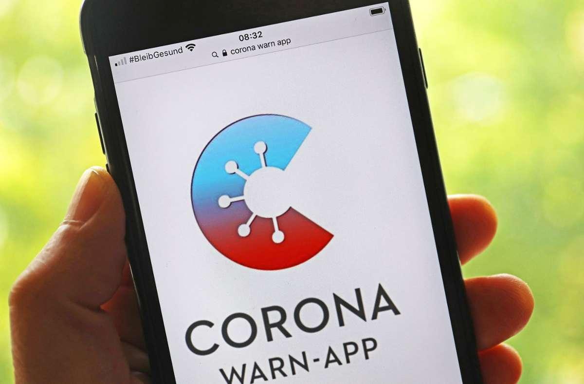 Die Corona-Warn-App kann jetzt auch die Ergebnisse von Corona-Schnelltests anzeigen. Foto: dpa/Oliver Berg
