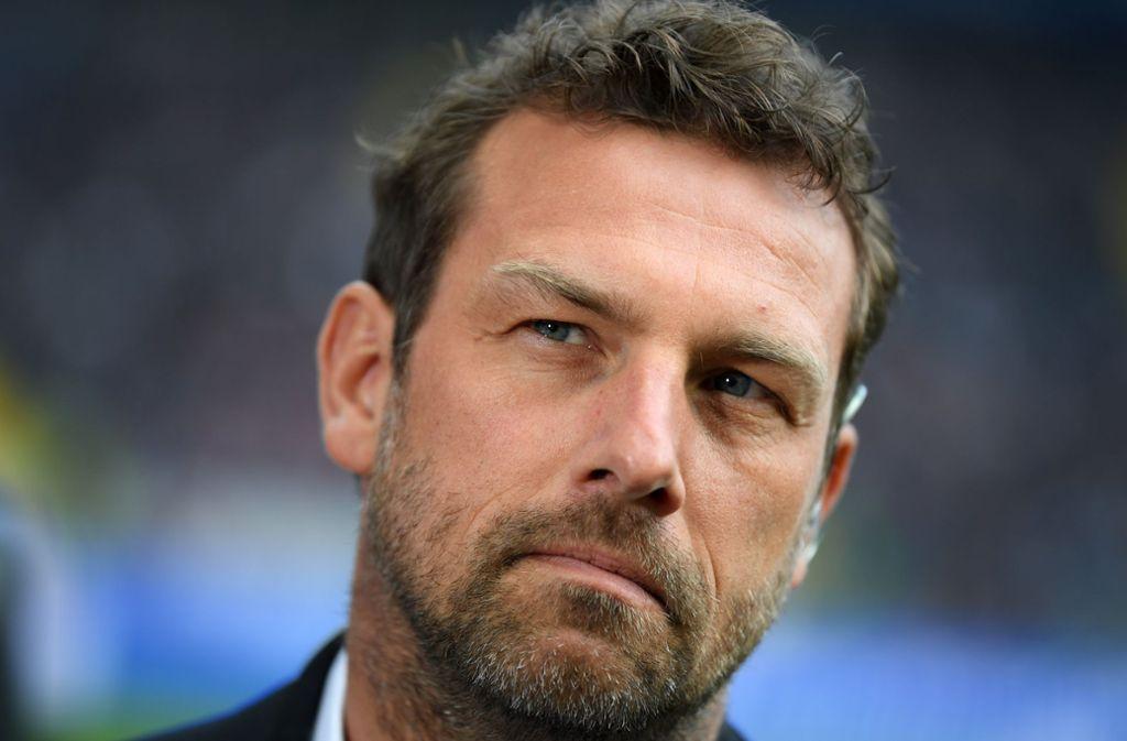 Am Samstag will VfB-Trainer Markus Weinzierl den Abstand auf den Vorletzten 1. FC Nürnberg mit einem Sieg auf sieben Punkte vergrößern. Foto: Bongarts