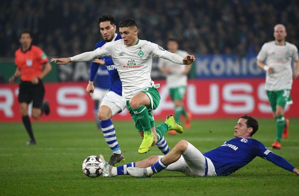 Milot Rashica (links) erzielte ein sehenswerten Treffer zum 1:0 für Werder. Foto: dpa